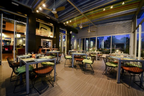 Santa Ana, Costa Rica: Backyard Lounge & Restaurant