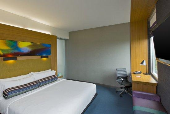 Santa Ana, Costa Rica: king bedroom