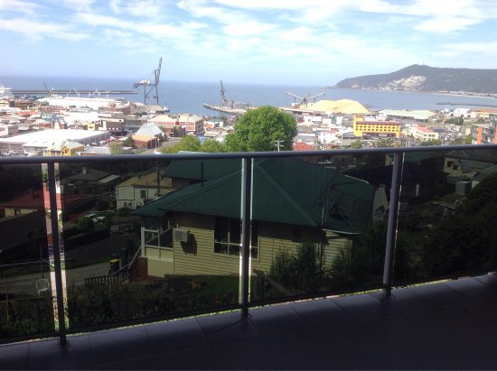 Burnie, Australia: Great view with a large outdoor deck.
