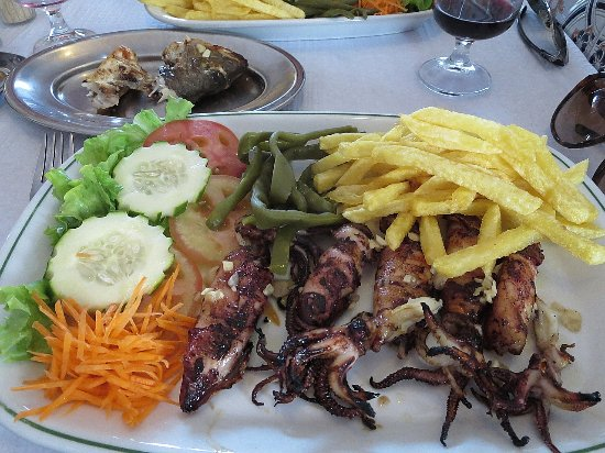 Figueira, Portugal: barbecued squid