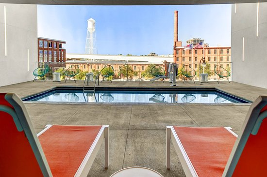 Aloft durham downtown 1 3 1 97 updated 2017 prices hotel reviews nc tripadvisor for Durham university swimming pool