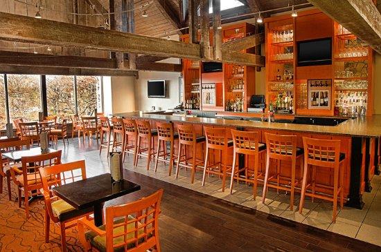 Maryland Heights, MO: Lucerne Lounge