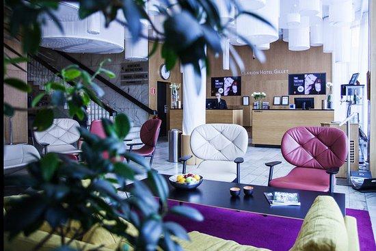 Clarion Hotel Gillet: Front desk