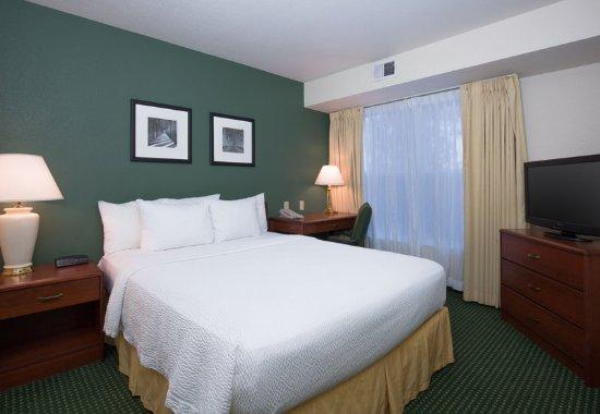 Vacaville, CA: Suite - Queen Bedroom