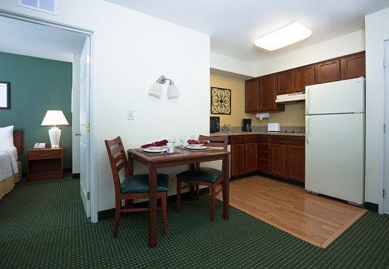 Vacaville, CA: Two-Bedroom Suite - Kitchen