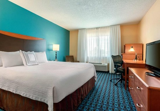 Stevens Point, WI: King Guest Room