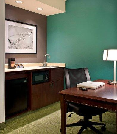 Andover, MA: Suite Kitchenette & Work Area