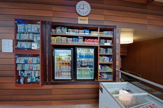 Fairfield Inn New York JFK Airport: Market