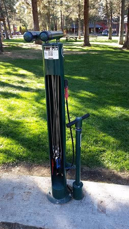 Village Green City Park: bicycle repair station