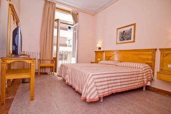 Hotel europa albacete spanya otel yorumlar ve fiyat for Media room guest bedroom
