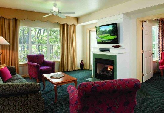 Absecon, NJ: Villa Living Room