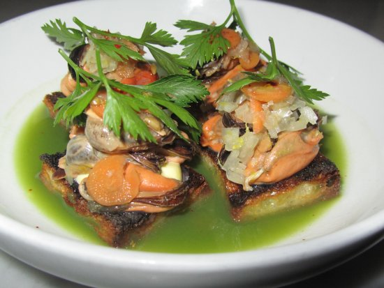 Estela: Mussels Escabeche on Toast (4 pieces)