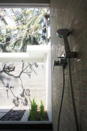 Pekutatan, Indonesia: Pool Villa - Indoor shower