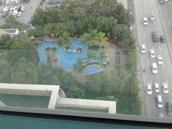 Swim Pool Looking From Above Picture Of Radisson Blu Cebu Cebu City Tripadvisor