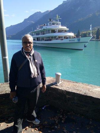 Jet Boat Interlaken: In front of lake