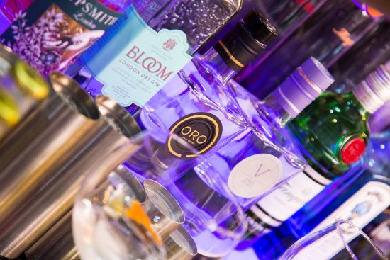 Dalton, UK: Come in and try our gin