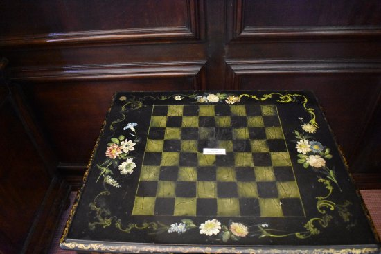 Carrick Hill: table