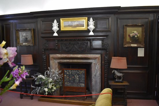 Carrick Hill: Lovely fire surround