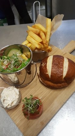 Ardrishaig, UK: Chicken burger on brioche bun