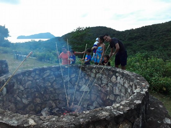 Busuanga Town, Philippines: BBQ at the hilltop