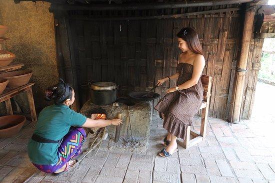 Tegalalang, Indonesia: Roasting