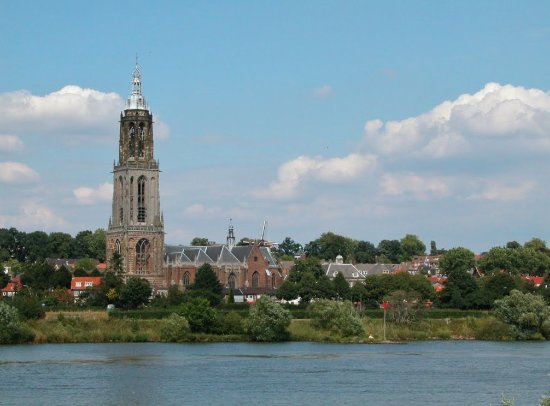Rhenen, Nederland: the beautiful Cunerachurch by the river