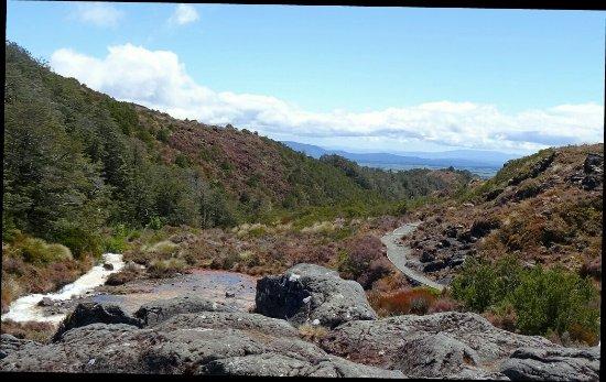 Nationaal park Tongariro, Nieuw-Zeeland: _20171018_074052_large.jpg