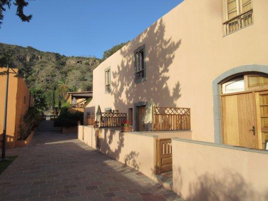 Hotel Rural El Mondalon: Familiekamers