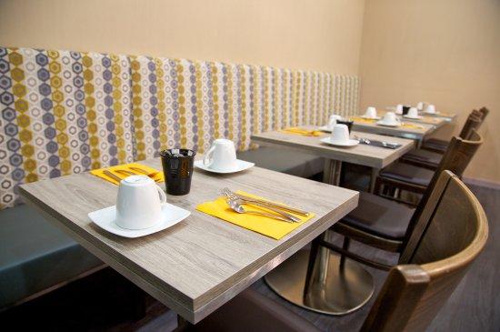 Meyzieu, Frankrijk: Salle de petit-déjeuner