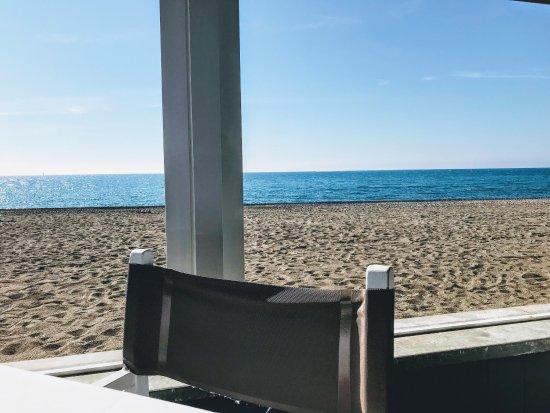 Ristorante da Andrea: Atmosfera piacevole con vista sul mare. Piatti di pesce ottimi e curati nel dettaglio. Punto a f