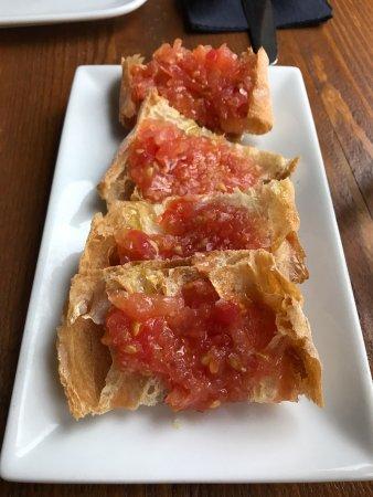 Wendover, UK: PAN DE CRISTAL - spanish artisan bread, tomato & garlic