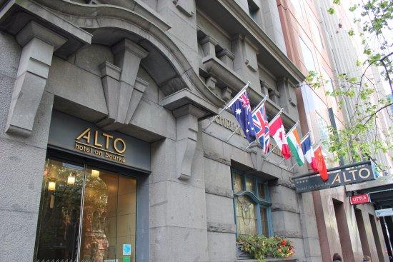 อัลโต โฮเทล ออน เบอรค์: The front of the Alto