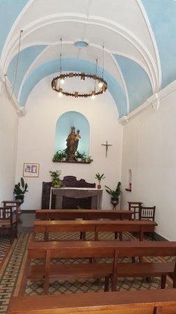 Capilla de la Mare de Deu del Socors: Внутри часовни
