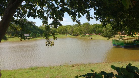 Hambantota, Sri Lanka: anther view of the lake. Stone sculptures of the animals can be seen when zoomed