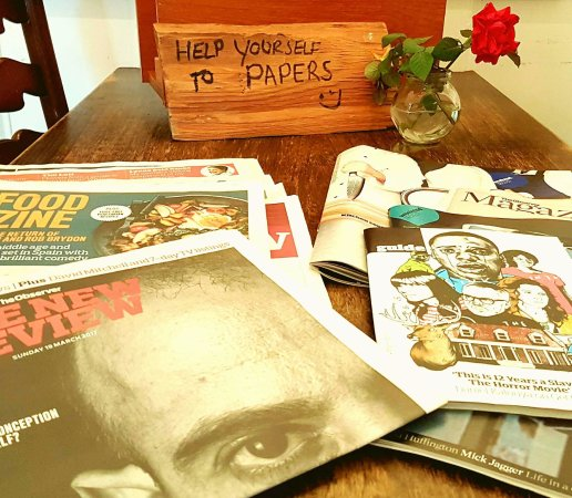Markinch, UK: Breakfast and papers