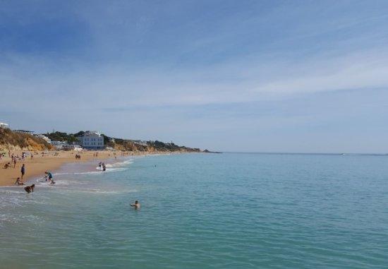 Praia dos Salgados: Another beautiful beach in Albufeira