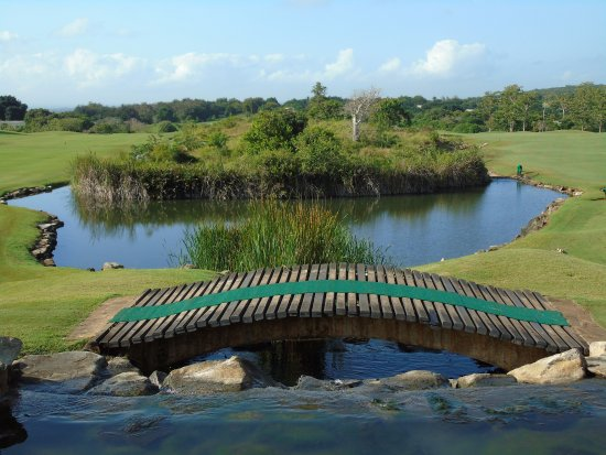 Vipingo Ridge: A view across the 18 hole PGA accredited course, hole 9 to the left and hole 18 to the right