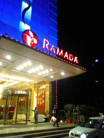 Ramada Ahmedabad: Entrance view