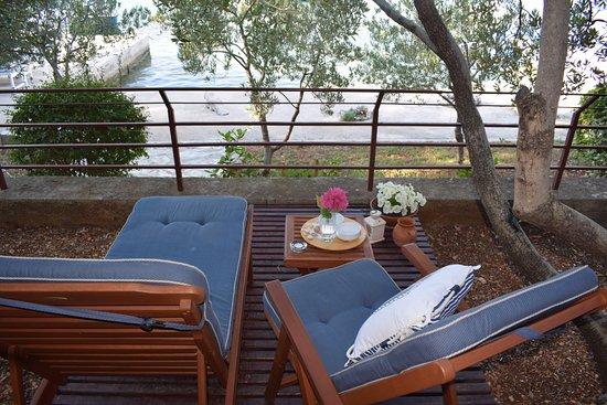 Apartments Tonka Grebastica: garden