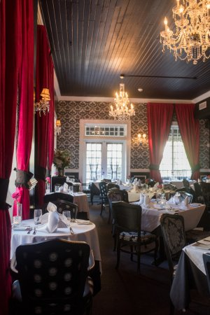 Noble Fare : Main Dining Room