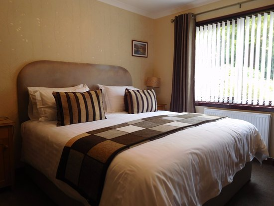 Lynver Guest House: Double bedroom