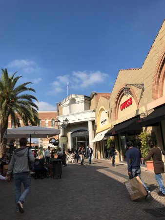 photo0.jpg - Picture of Castel Romano Designer Outlet, Rome ...