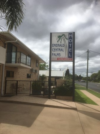 Emerald Central Palms Motel: photo0.jpg