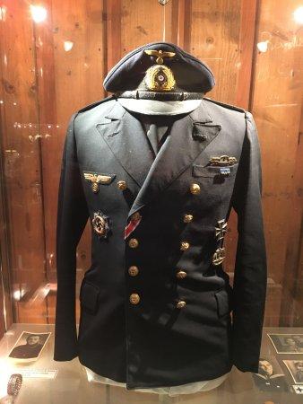Le Bunker de La Rochelle : Un uniforme allemand