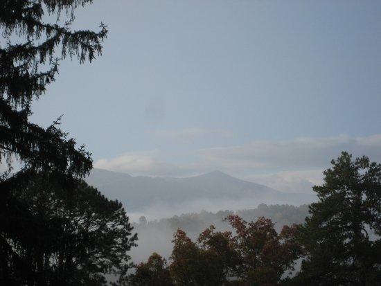 Lambuth Inn: Morning Mountain Mist