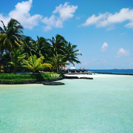 Vihamanafushi: Food is just okay...