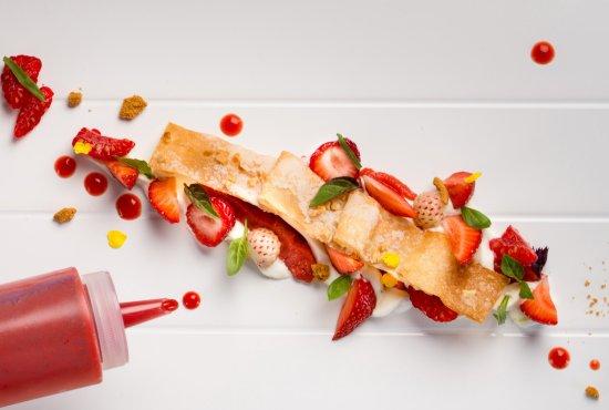 Ле-Тор, Франция: croustillant aux fraises