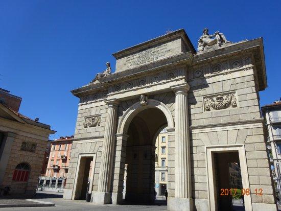 Piazzale foto di porta garibaldi milano tripadvisor - Milano porta garibaldi passante mappa ...