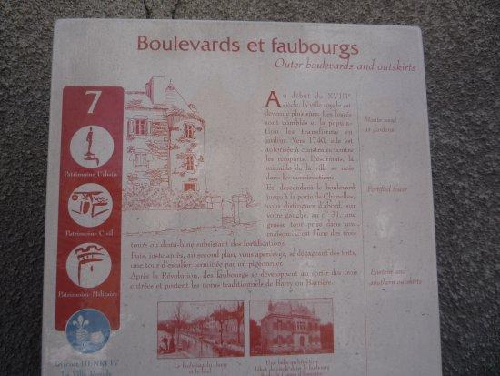 Marvejols, Франция: Grace à notre guide et ses bornes, vous pouvez visiter et découvrir la ville.