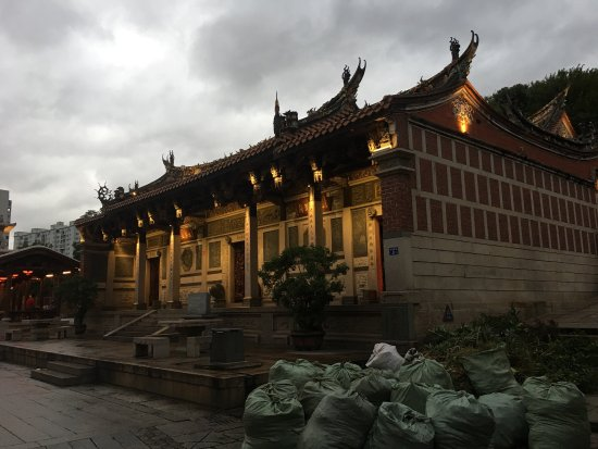 Quanzhou, จีน: Tonghuai Temple of Guan Yu and Yue Fei
